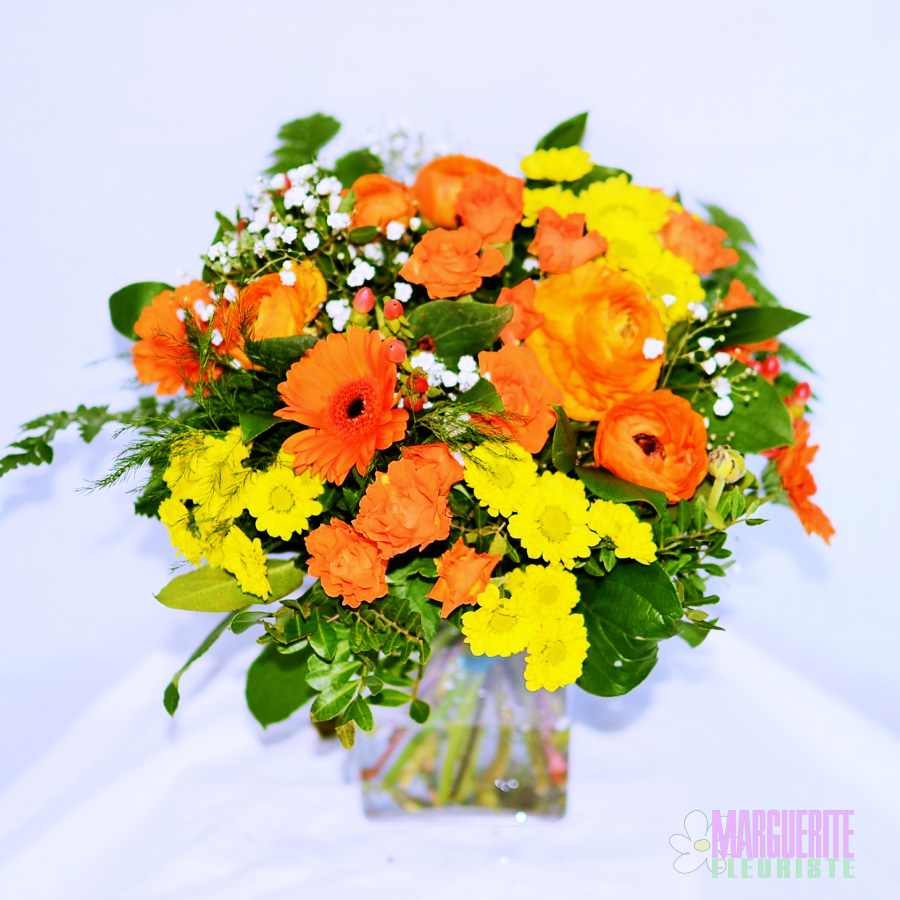 Bouquet rond chaleur jaune orange germinis roses for Bouquet de fleurs 30 euros